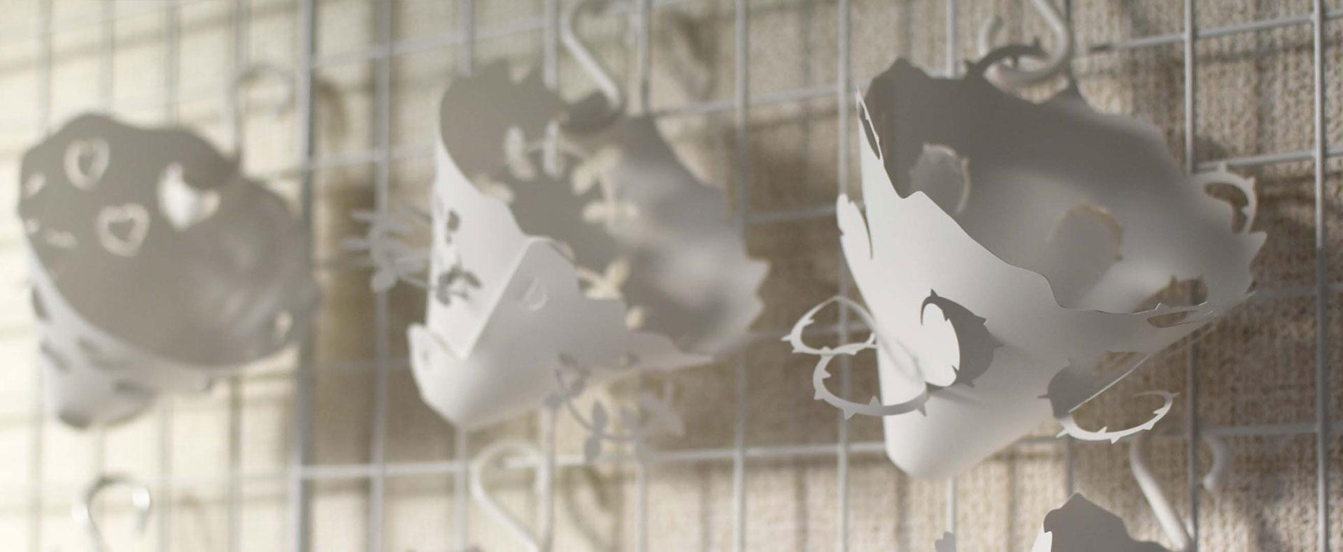 紙とフィルムの良さをそなえる機能合成紙